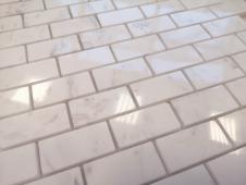 Мозаика CARAMELLE Pietrine Dolomiti Bianco полированная 29,8x29,8х0,7 см (чип 23x48x7 мм)